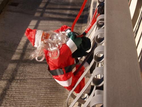 Babbo Natale sul balcone.jpg