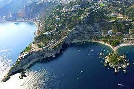 Taormina-Baia dell'IsolaBella.jpg
