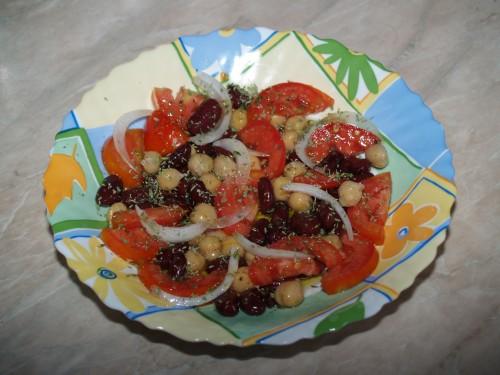 ricetta,piatto unico,insalata,legumi,fagioli rossi,ceci,ricetta vegetariana
